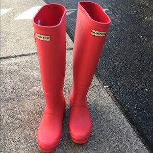 Rare pink hunter rain boots